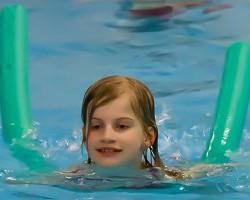 kleinkingschwimmen-400f6267